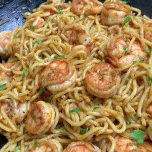 GARLIC SHRIMP NOODLES || QUICK SHRIMP RECIPES || TERRI-ANN'S KITCHEN